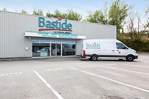 façade parking clients gratuit place handicapé vitrine conseiller bastide besançon